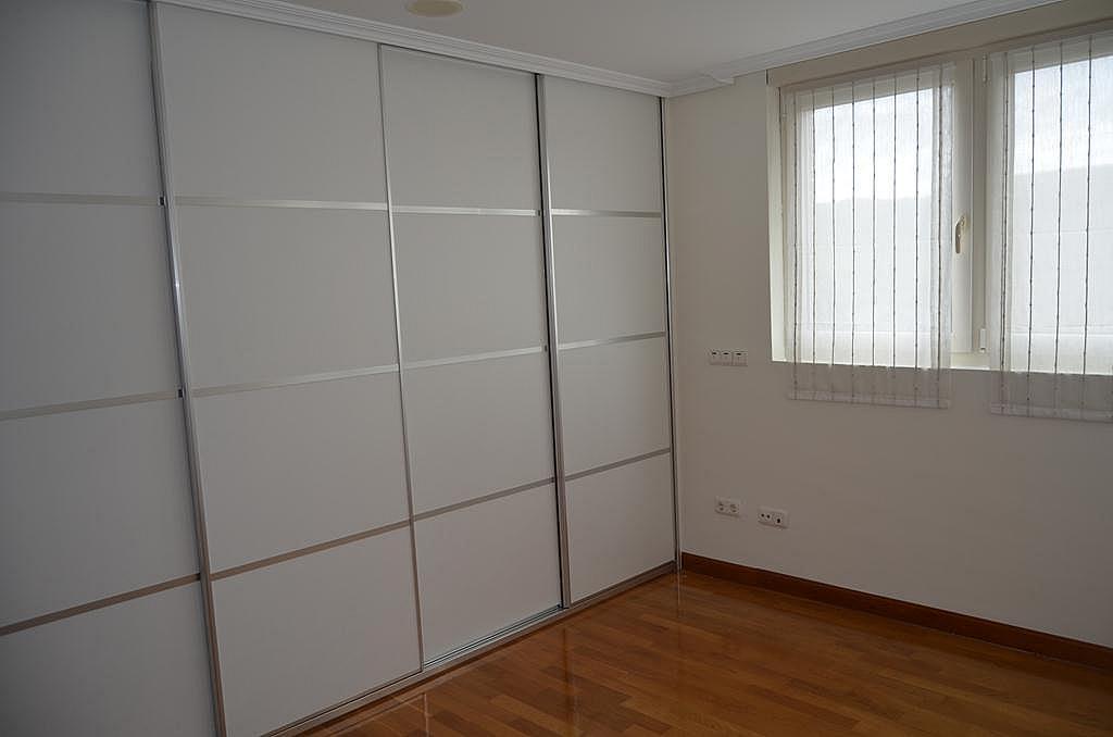 Dormitorio - Casa en alquiler en calle Aldabarren, Gorraiz - 253537575