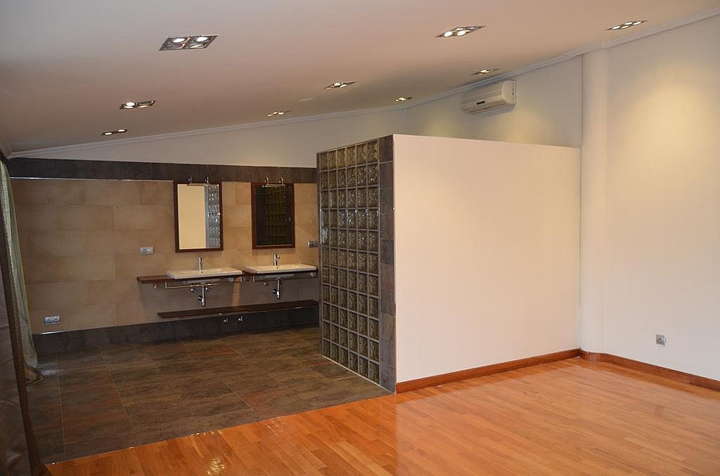 Dormitorio - Casa en alquiler en calle Aldabarren, Gorraiz - 253537584