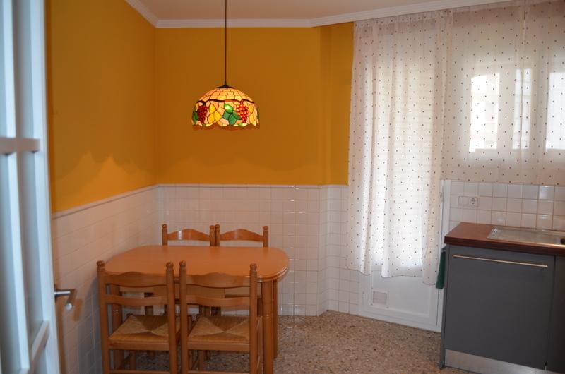 Piso en alquiler en calle Obispo Irurita, San Juan en Pamplona/Iruña - 120159566