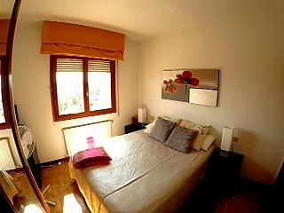 Dormitorio - Piso en alquiler en calle Irunlarrea, Ermitagaña-Mendebaldea en Pamplona/Iruña - 221218805