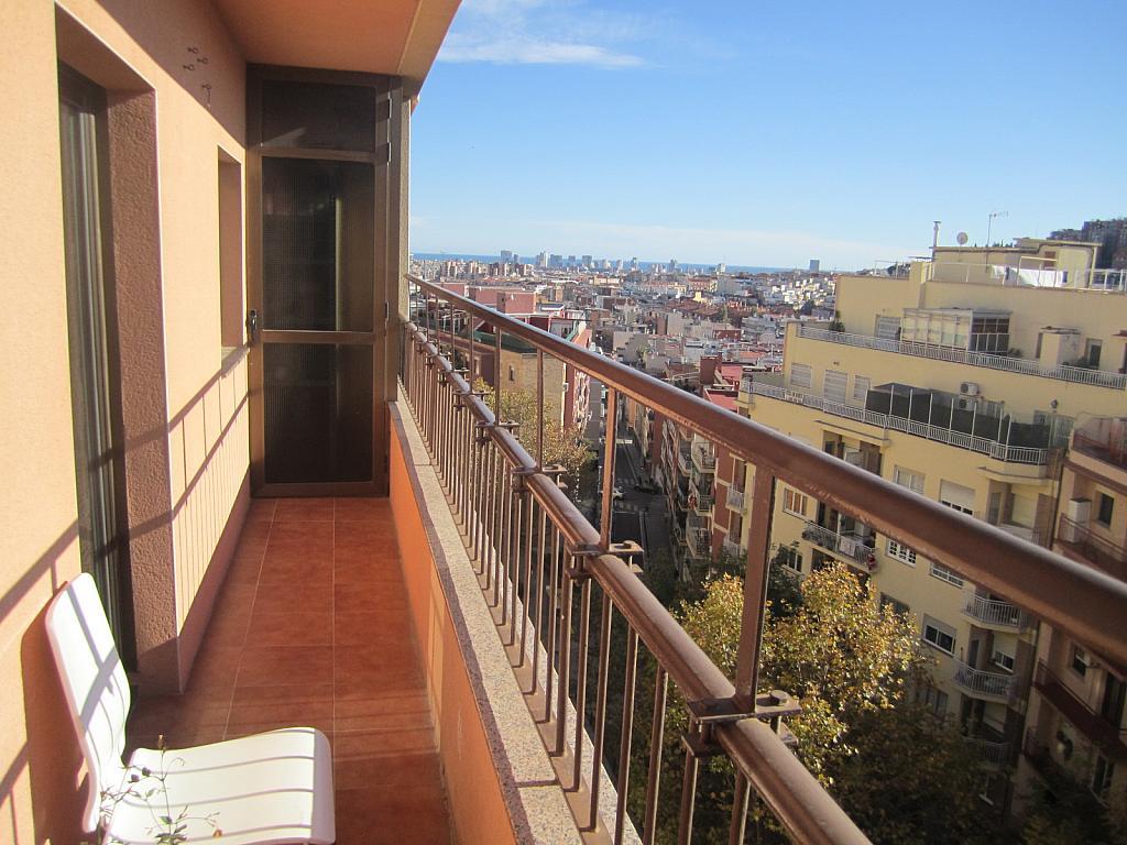 Piso en alquiler en calle Pso Fabra I Puig, El Turó de la Peira-Can Peguera en Barcelona - 318902259