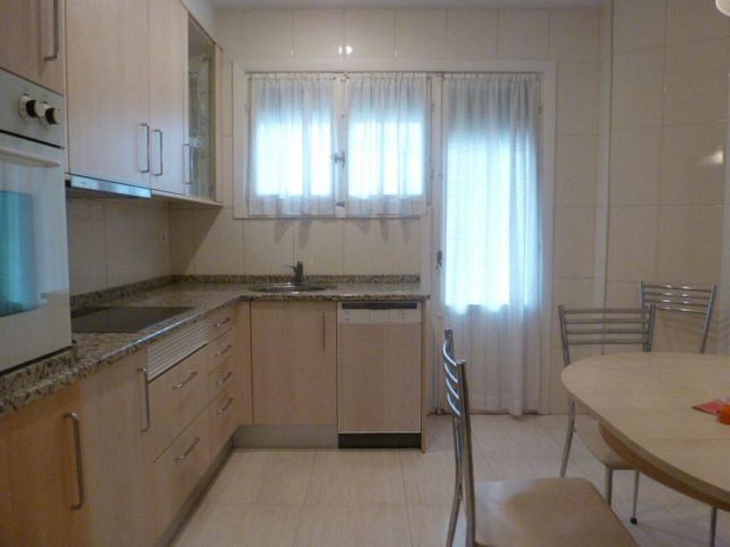 Piso en alquiler en calle Obispo Irurita, San Juan en Pamplona/Iruña - 310225282