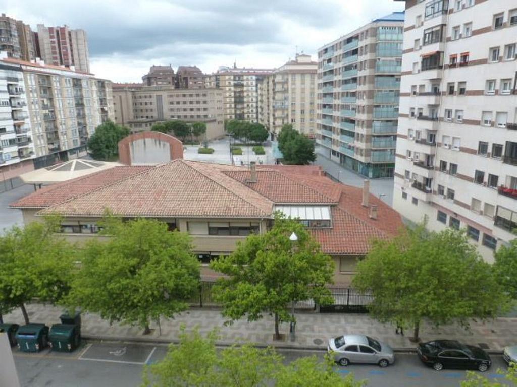 Piso en alquiler en calle Obispo Irurita, San Juan en Pamplona/Iruña - 310225306