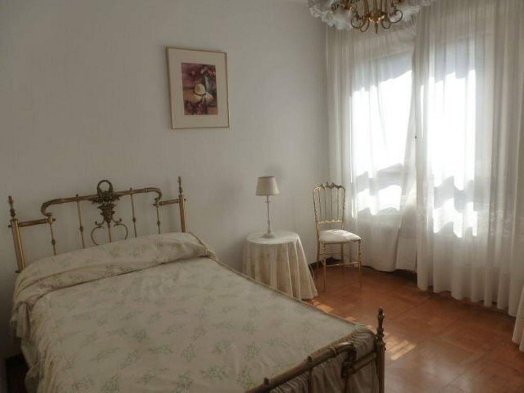 Piso en alquiler en calle Obispo Irurita, San Juan en Pamplona/Iruña - 310225324
