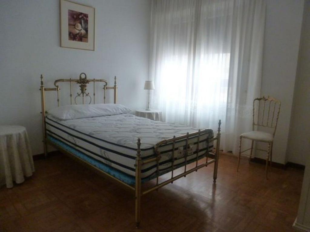 Piso en alquiler en calle Obispo Irurita, San Juan en Pamplona/Iruña - 310225345
