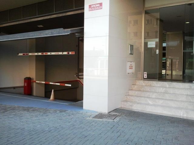 Fachada - Oficina en alquiler en calle Cornella, Esplugues de Llobregat - 122899081