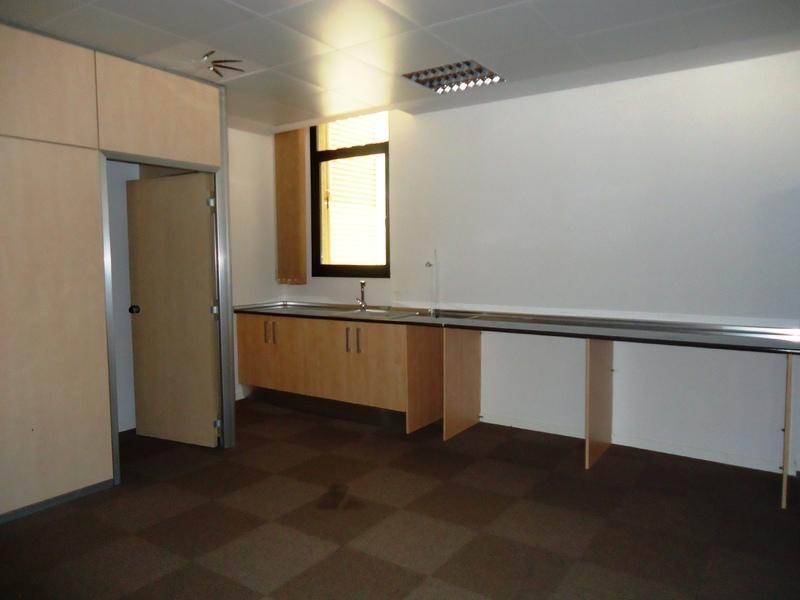Cocina - Oficina en alquiler en calle Cornella, Esplugues de Llobregat - 122920021