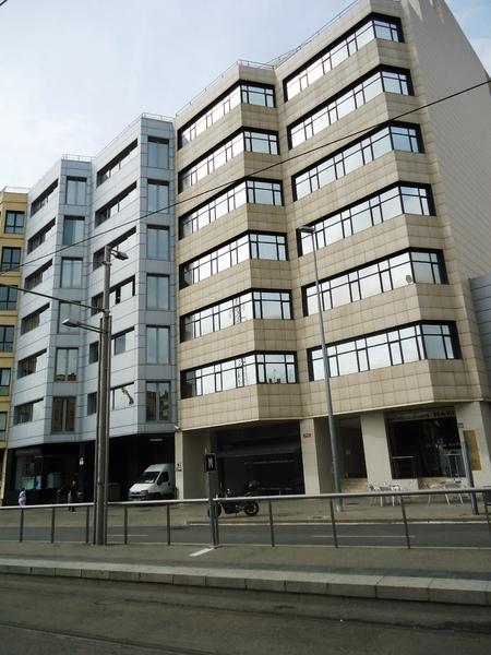 Fachada - Oficina en alquiler en calle Cornella, Esplugues de Llobregat - 123156959