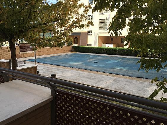 Piso en alquiler en calle Ana de Austria, Sanchinarro en Madrid - 330739802