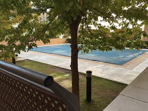 Piso en alquiler en calle Ana de Austria, Sanchinarro en Madrid - 330739805