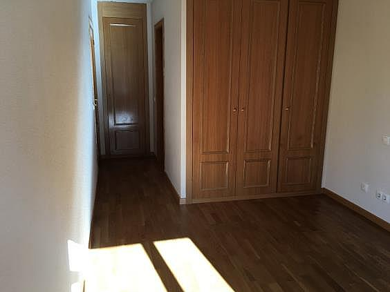 Piso en alquiler en calle Ana de Austria, Sanchinarro en Madrid - 330739820