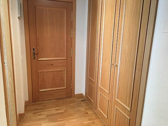 Piso en alquiler en calle Ana de Austria, Sanchinarro en Madrid - 330739853