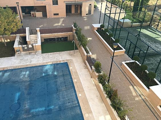 Piso en alquiler en calle Ana de Austria, Sanchinarro en Madrid - 330739865