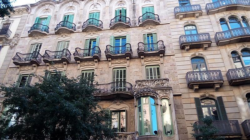Local comercial en alquiler en Eixample dreta en Barcelona - 329905345