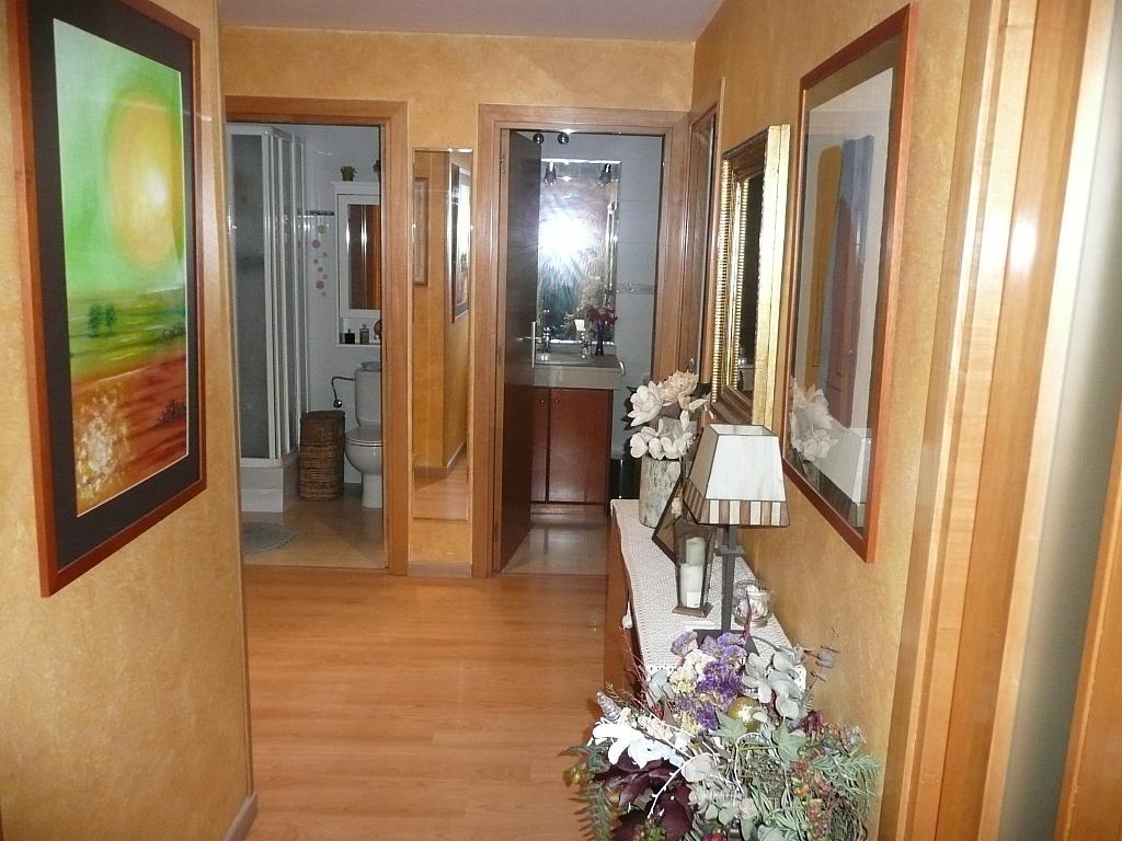 Vestíbulo - Piso en alquiler en calle Cami Masia D'en Frederic, Llimonet en Vilanova i La Geltrú - 323035238