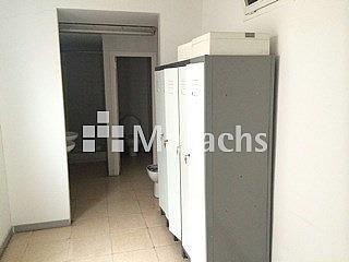 Ref. 7452 aseos - Nave industrial en alquiler en Girona - 239161522