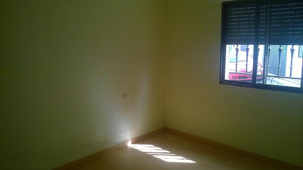 Casa en alquiler en calle Pizarro, Torreorgaz - 325777123