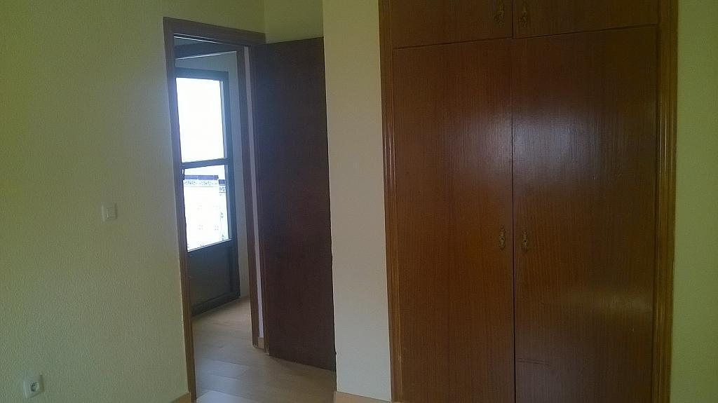 Casa en alquiler en calle Pizarro, Torreorgaz - 325777125