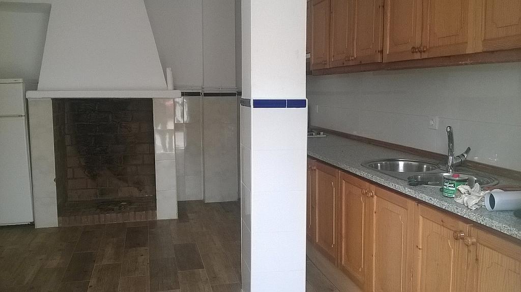 Casa en alquiler en calle Pizarro, Torreorgaz - 325777161