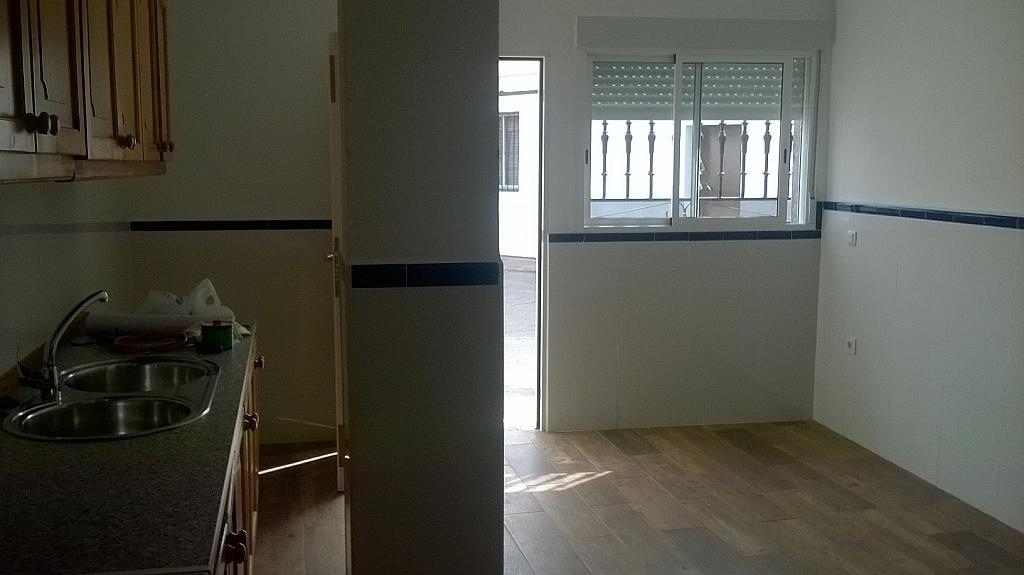 Casa en alquiler en calle Pizarro, Torreorgaz - 325777182