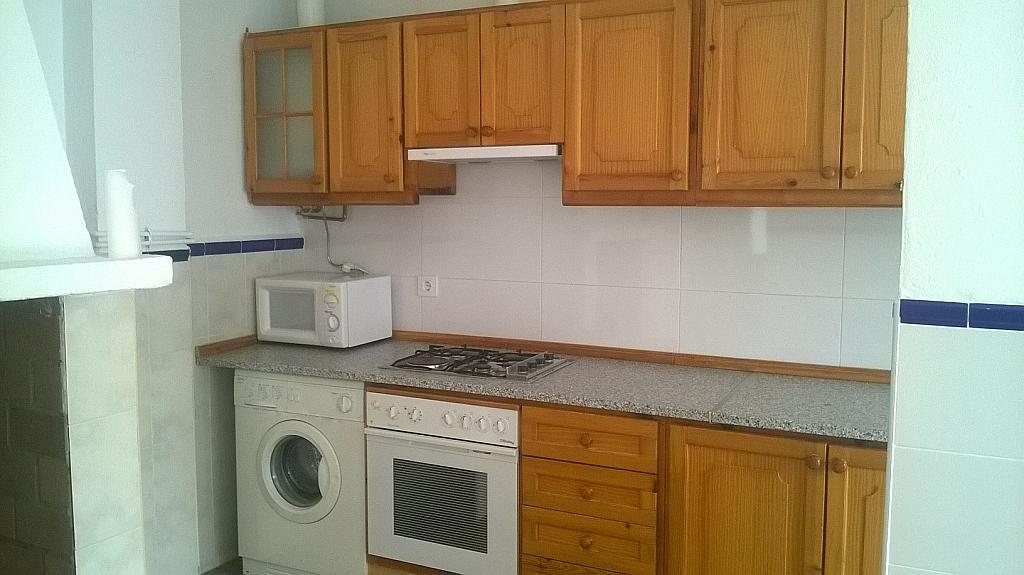 Casa en alquiler en calle Pizarro, Torreorgaz - 325777184
