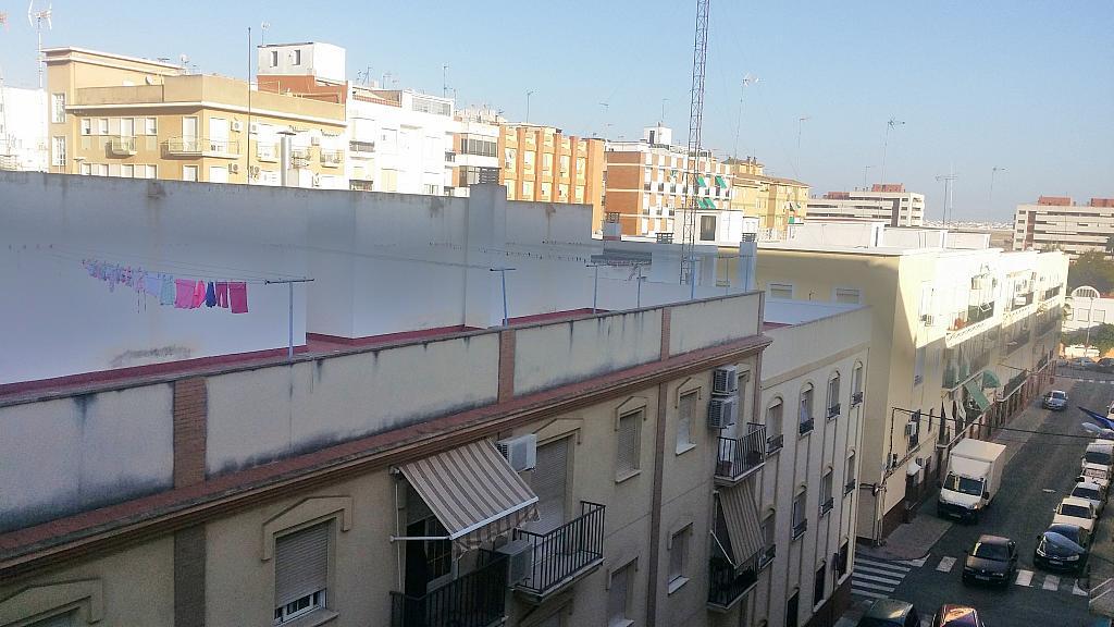Piso en alquiler en calle Cortelazor, Nuestra Sra del Rocio en Huelva - 329903745
