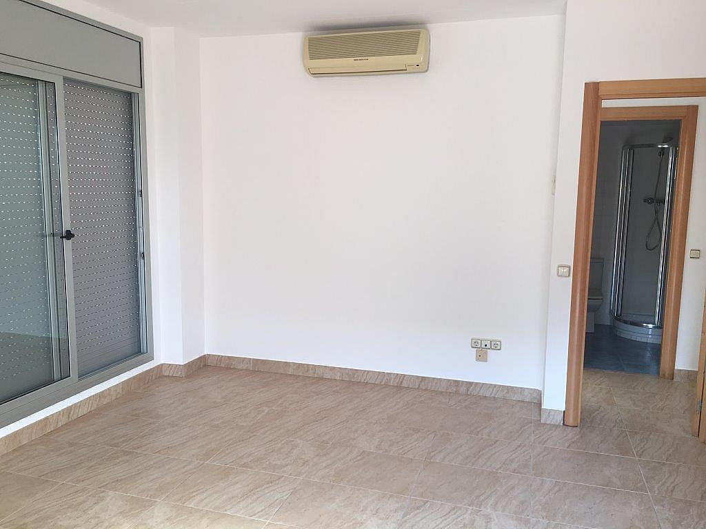 Bajo en alquiler en calle Xuquer, Segur de Calafell - 323911747