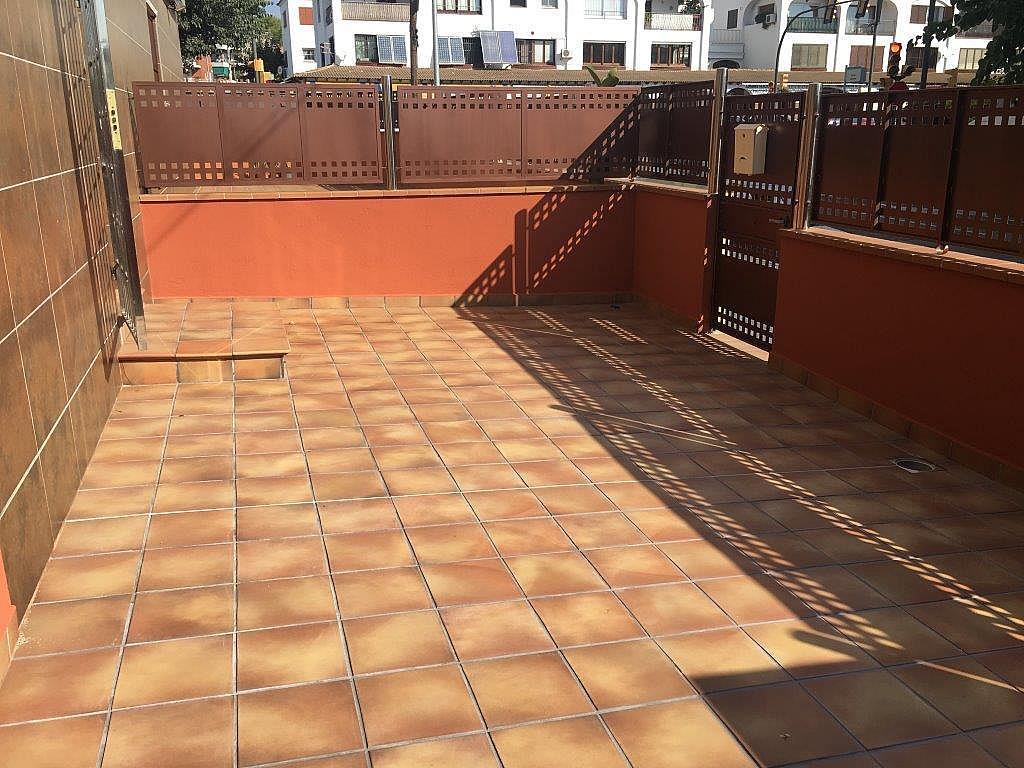 Bajo en alquiler en calle Xuquer, Segur de Calafell - 323911799