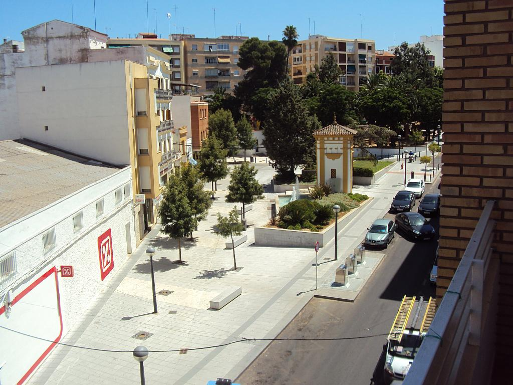 Piso en alquiler en calle Pedro Navia, Almendralejo - 239537192