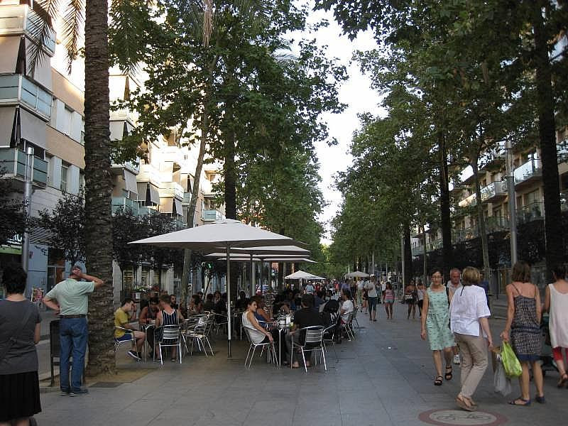 Foto - Local comercial en alquiler en El Poblenou en Barcelona - 327275072