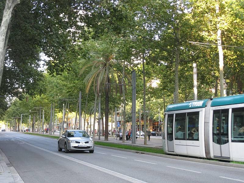 Foto - Local comercial en alquiler en El Poblenou en Barcelona - 327275075