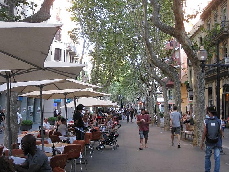 Foto - Local comercial en alquiler en El Poblenou en Barcelona - 327275084