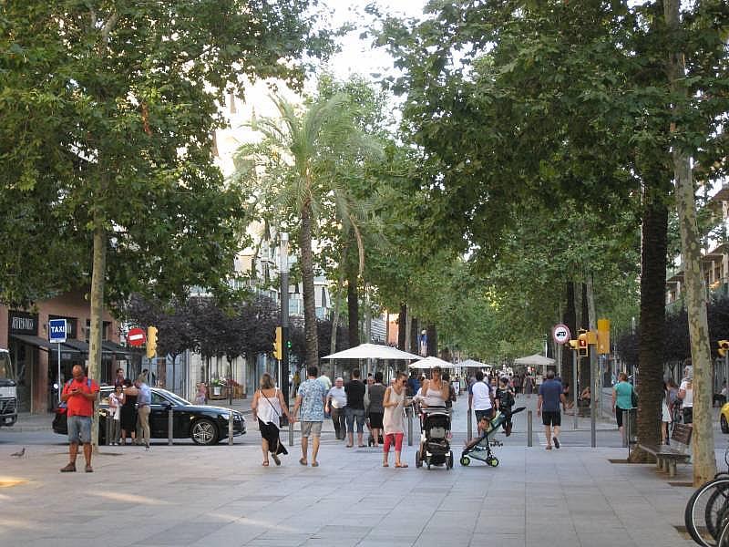 Foto - Local comercial en alquiler en El Poblenou en Barcelona - 327275102