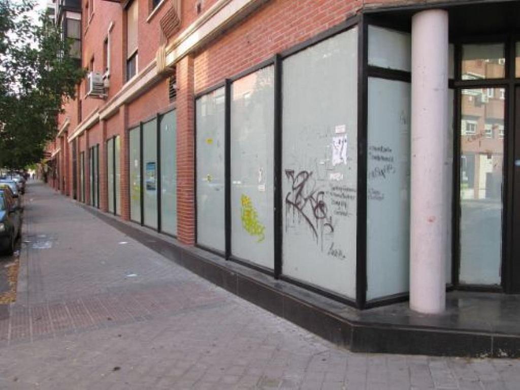 Local comercial en alquiler en calle Felicidad, Los Rosales en Madrid - 359987679