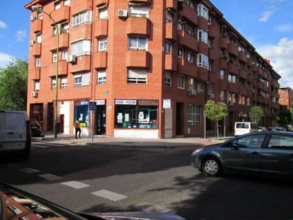 Local comercial en alquiler en calle Felicidad, Los Rosales en Madrid - 359987682