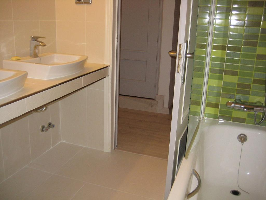 Casa en alquiler en Villafranca del Castillo - 358481169