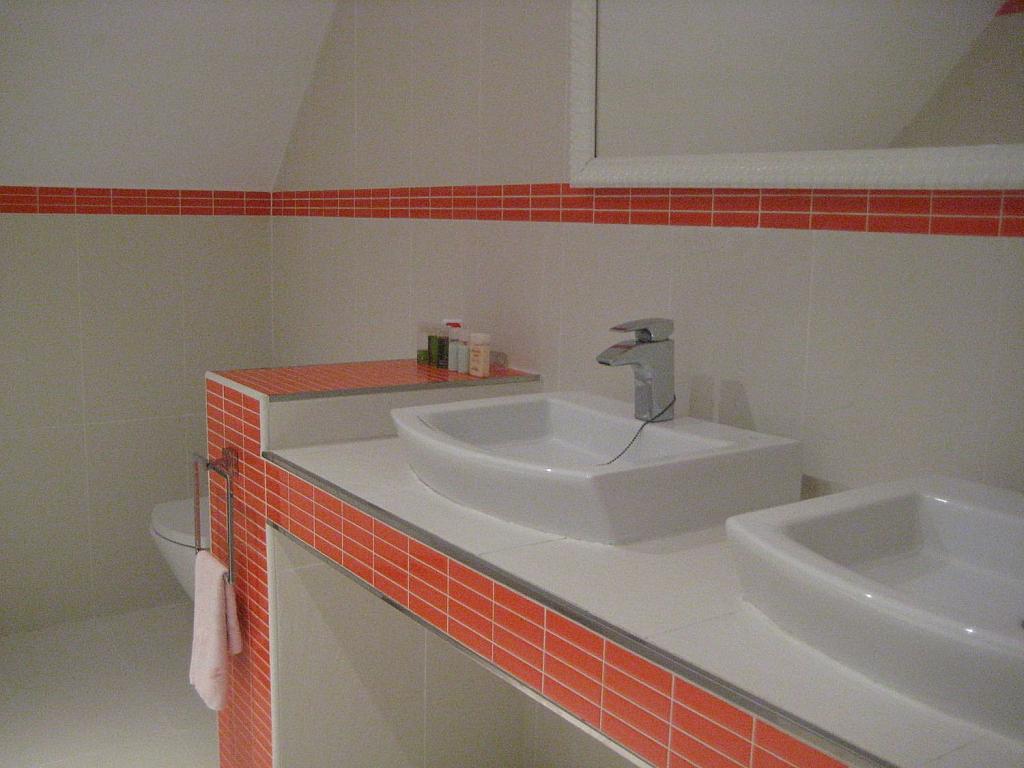 Casa en alquiler en Villafranca del Castillo - 358481172