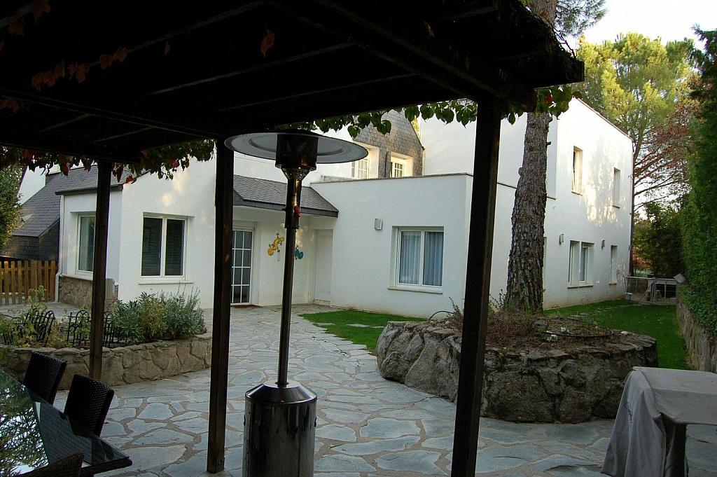 Casa en alquiler en Villafranca del Castillo - 358481187