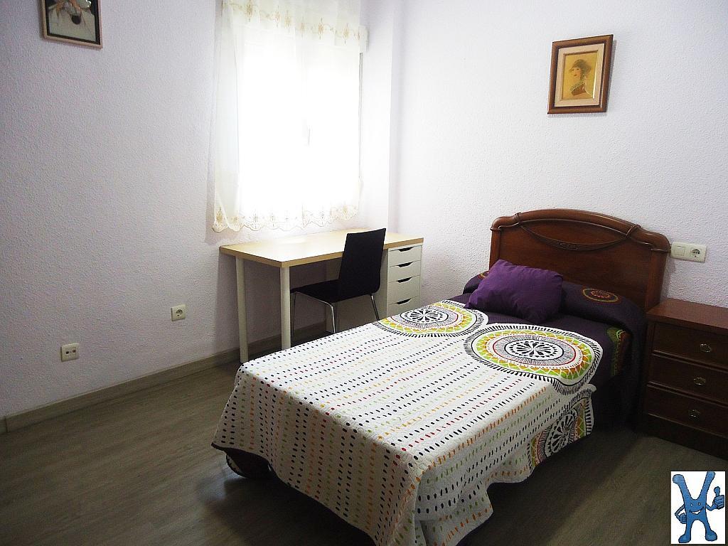 Piso en alquiler en Salesas en Salamanca - 328013415