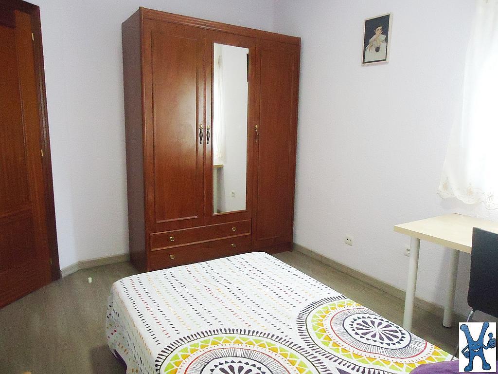 Piso en alquiler en Salesas en Salamanca - 328013419