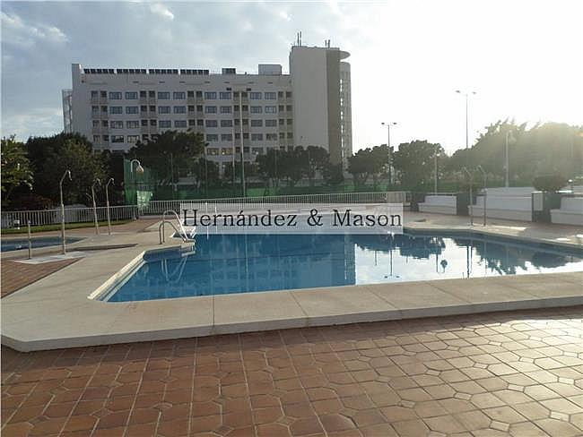 Piso en alquiler en La Carihuela en Torremolinos - 341213875