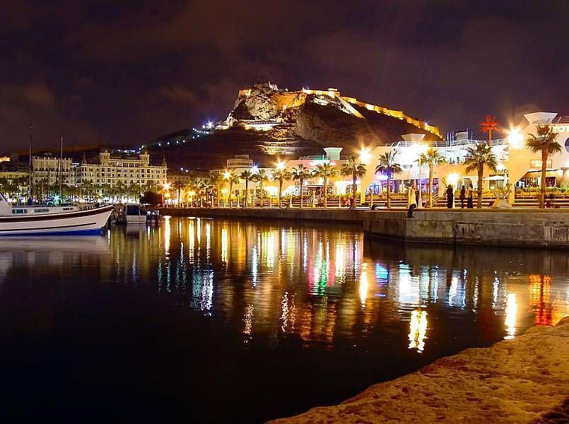 Foto - Local comercial en alquiler en calle Pintor Baeza, Altozano - Conde Lumiares en Alicante/Alacant - 332497909