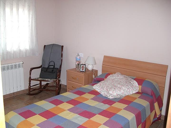Dormitorio - Casa adosada en alquiler en calle Huelva, Riba-roja de Túria - 237192910