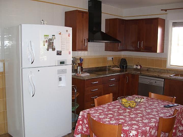 Cocina - Casa adosada en alquiler en calle Huelva, Riba-roja de Túria - 237192924