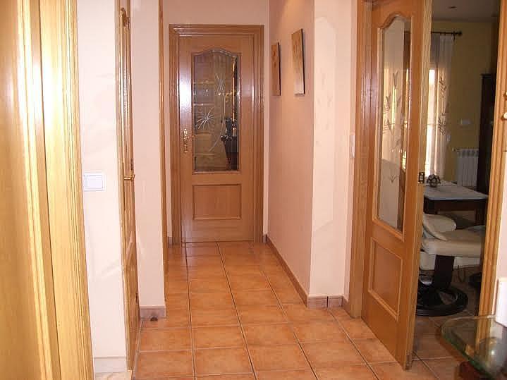 Pasillo - Casa adosada en alquiler en calle Huelva, Riba-roja de Túria - 237192933