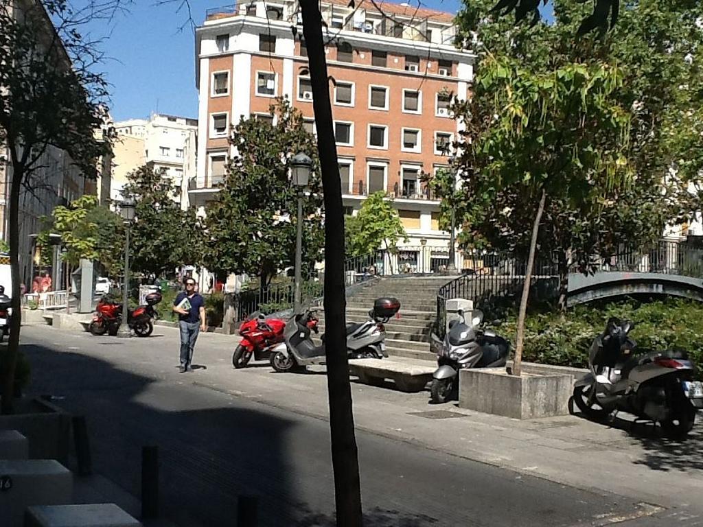 Local comercial en alquiler en plaza Del Carmen, Sol en Madrid - 342293822