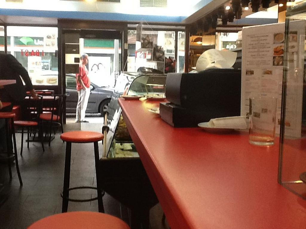 Local comercial en alquiler en calle Virgen de Los Peligros, Centro en Madrid - 342610793