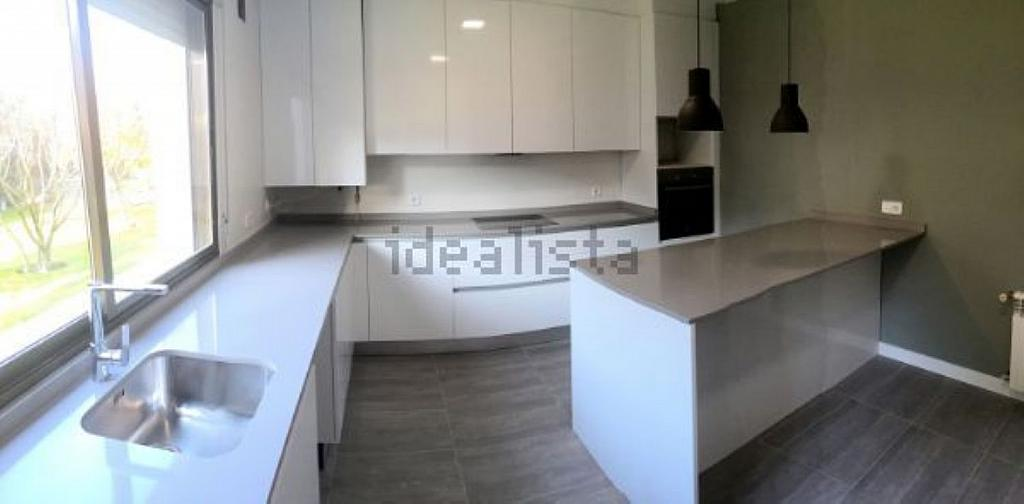 Casa en alquiler en calle Castillo de Játiva, Villafranca del Castillo - 359330520
