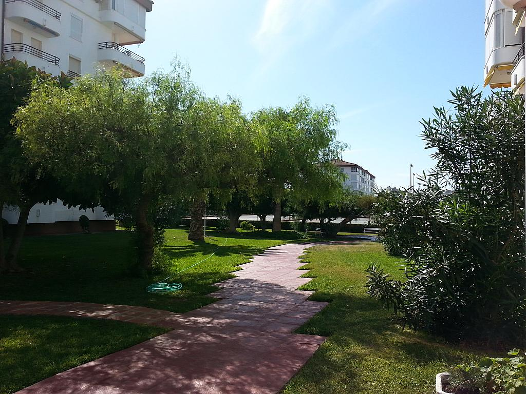 Apartamento en alquiler en urbanización Laguna Beach, Torrox-Costa en Torrox - 135847126