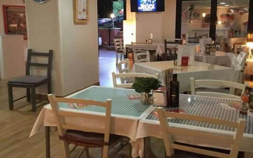 Local comercial en alquiler en Costillares en Madrid - 358125230